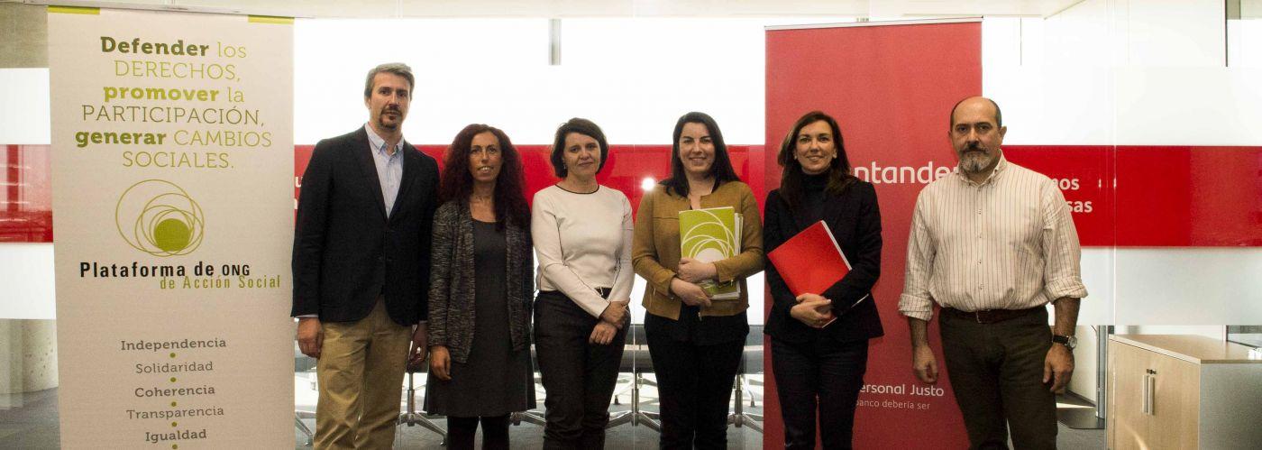 Firma del convenio entre el Banco Santander y la Plataforma de ONG de Acción Social