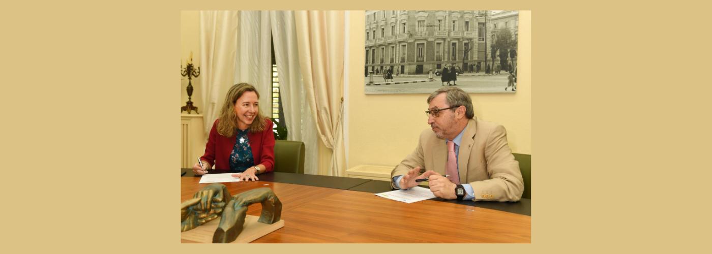 ONCE- Patricia Sanz y Fernando Chacón, durante la firma del acuerdo